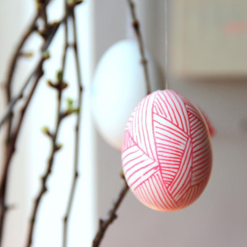 schraffiertes Osterei - grafisches Ei