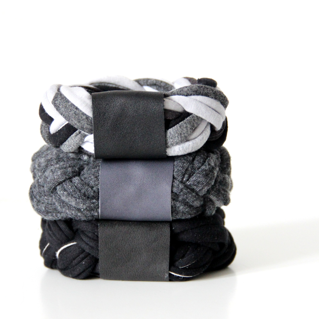 Armreifen aus Textil - knobz