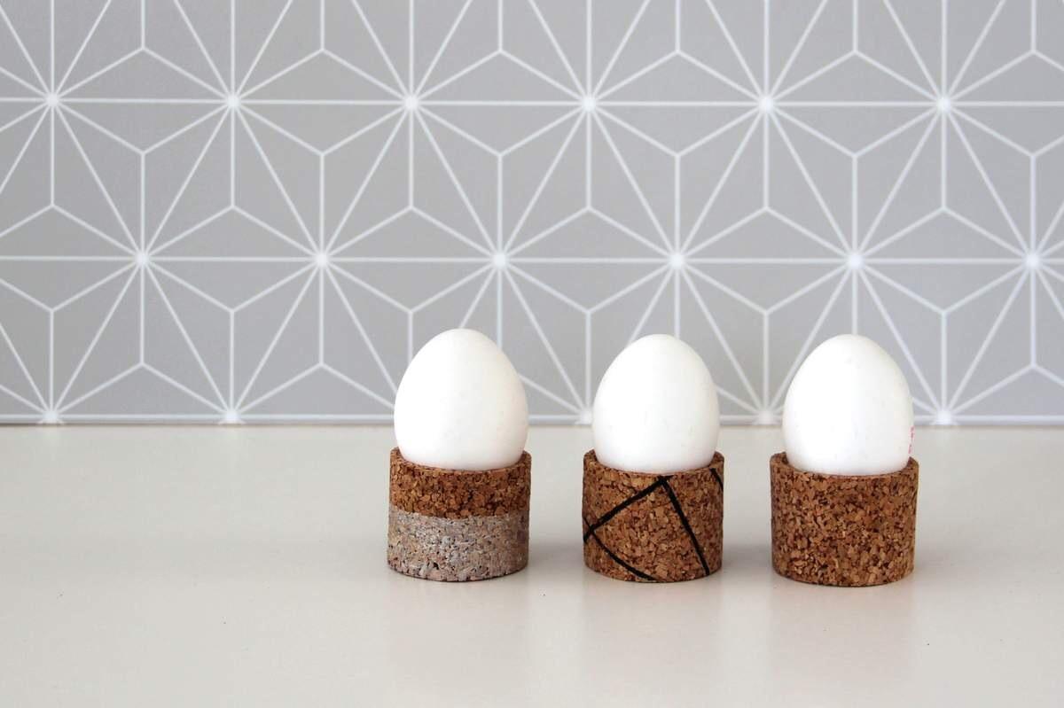 Eierbecher aus Kork basteln DIY